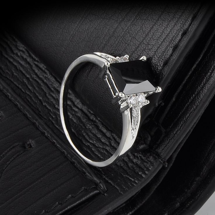 Trendy Punk style Rhinestone Black Zircon Ring Rings for Women Party Adjustable fashion jewelry for men or women Free Shipping