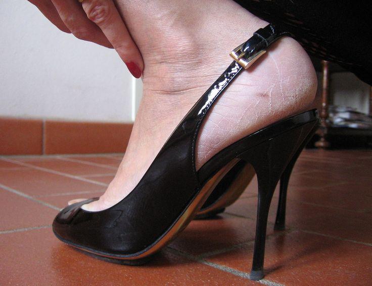Sara's rough heels in varnish high heel slingbacks