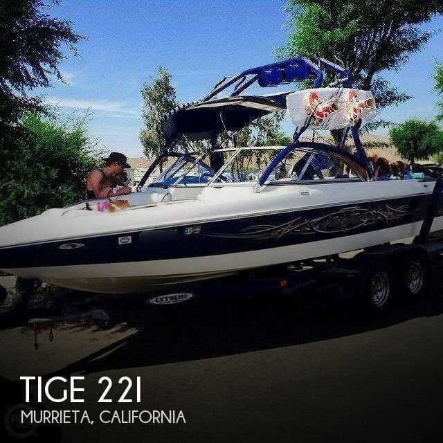 Pre-owned 2005 Tige 22i wake/ski boat (100 hrs) for sale in Murrieta, California - $30,900.  View 11 photos, features and a good description.