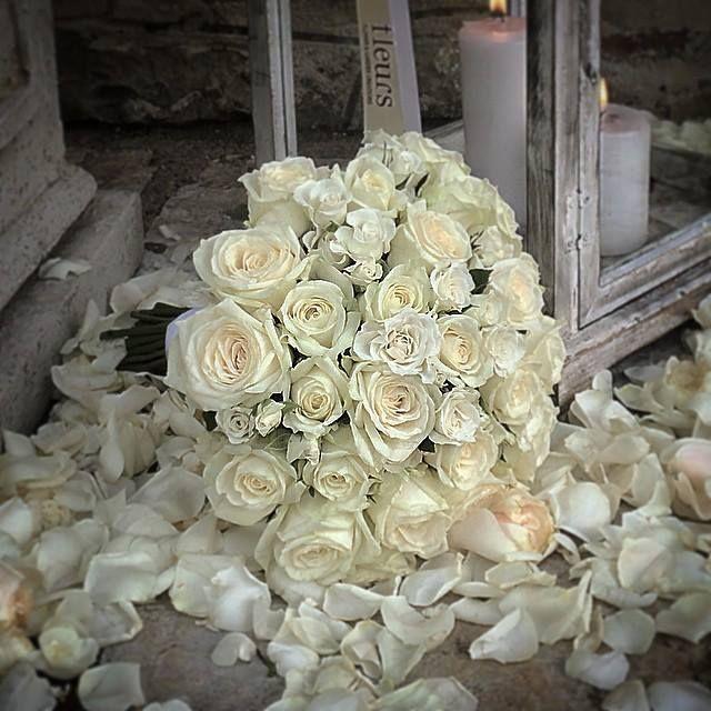 Roses , sprayroses , wedding bouquet
