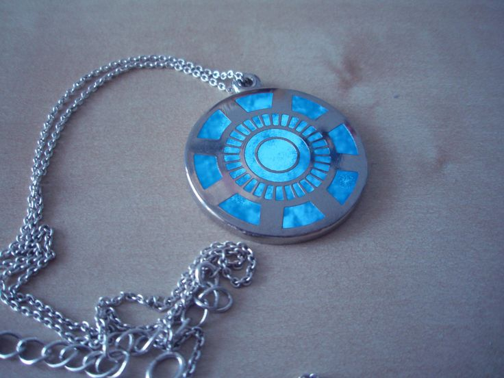 Arc reactor necklace. Want!