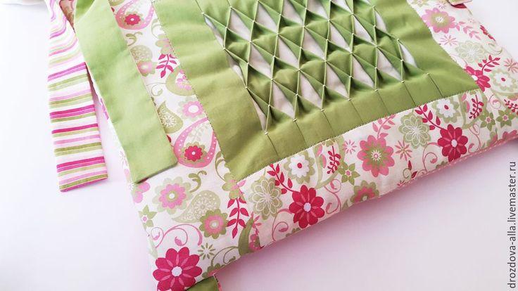 """Купить Бортики в кроватку """"Stefania"""" - салатовый, розово-зеленый, зелено-розовый, пэйсли, буфы, вафли"""