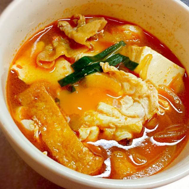 半熟たまごを割って食べるときがたまりません⤴ - 207件のもぐもぐ - 豆腐チゲでほっかほか~☆ by hirochikasan