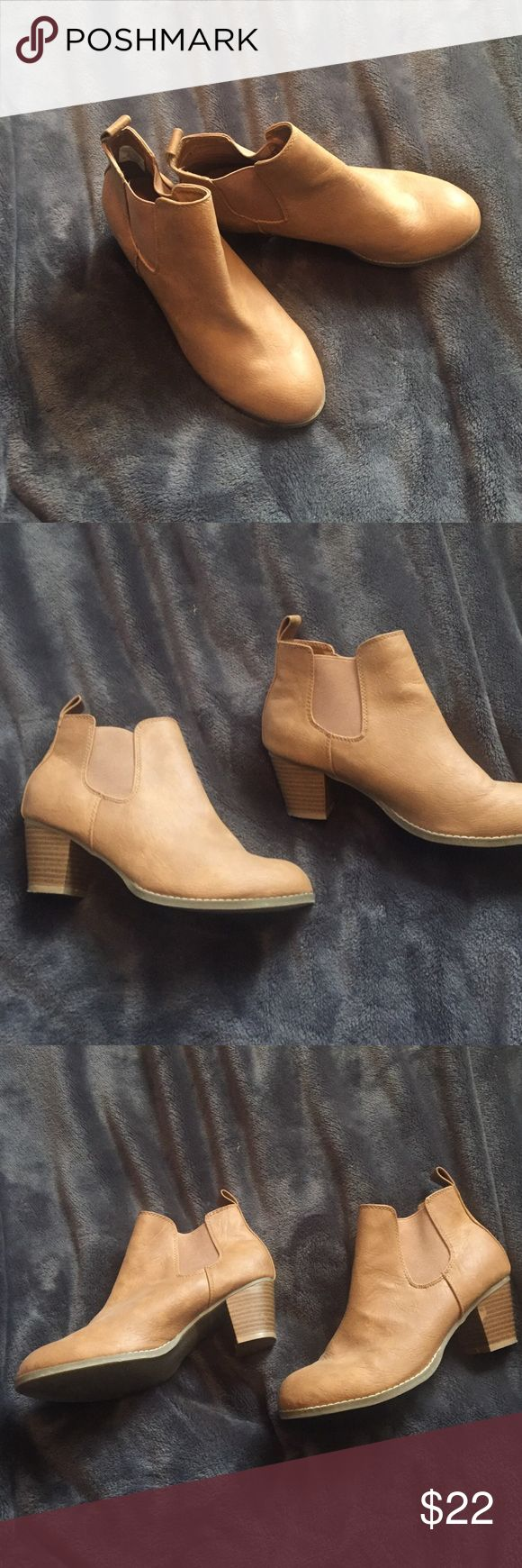 Size 7 Camel color. Booties. Old navy Camel color bootie in size 7. Worn twice Old Navy Shoes Ankle Boots & Booties