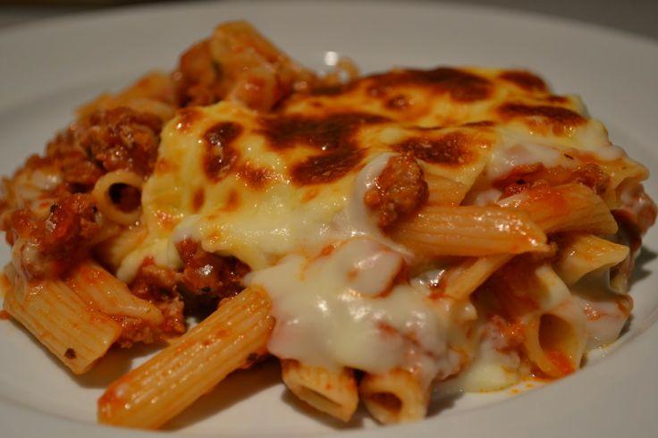 Bolognaise and basil pasta bake