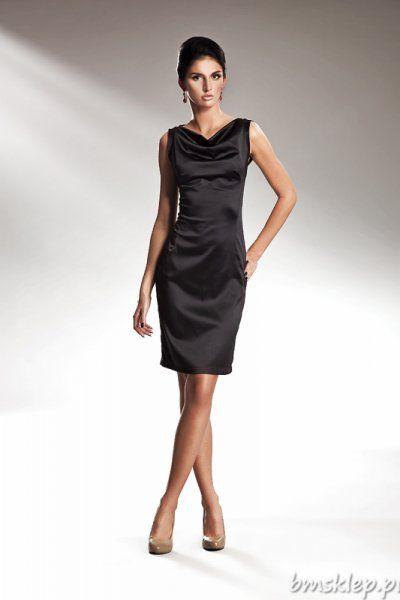 Niezwykle elegancka i szykowna sukienka na ramiączkach.Na dekolcie efekt wody dodaje jej niezwykłego wyglądu.Skład:... #Sukienki - http://bmsklep.pl/szykowna-sukienka-z-efektem-wody-czarny-s15