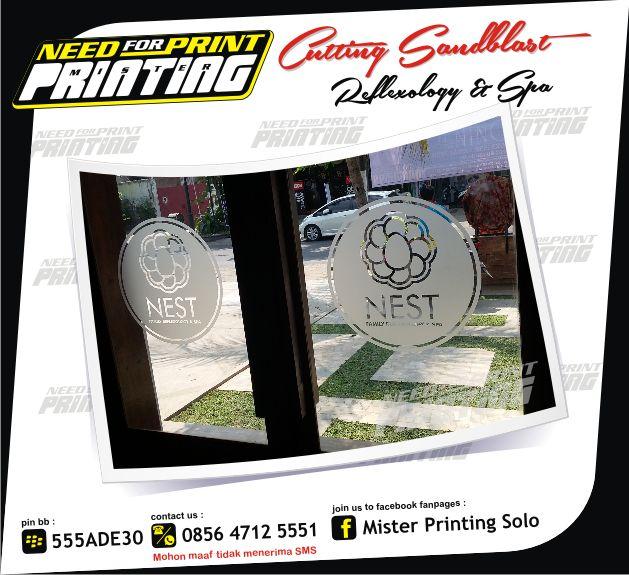 Kami Mister Printing Solo, melayani pembuatan & pemasangan segala macam bentuk media promosi. Baik untuk kebutuhan luar ruang maupun dalam ruang meliputi : • Brosur / Flyer / Pamflet • Spanduk …