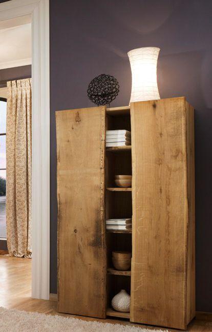 Hochschrank Woodline | aus massiver Eiche gefertigt, präsentiert sich dieses Highboard edel in einzigartigem Design und mit herausragenden Designelementen. #MoebelLETZ
