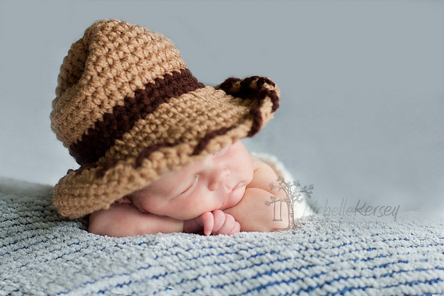 Crochet Mini Cowboy Hat Pattern : Top 222 ideas about Tiny Toppers on Pinterest Beanie ...
