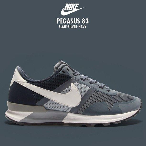 Nike Pegasus 83 Women Dark Blue  97a221ed44