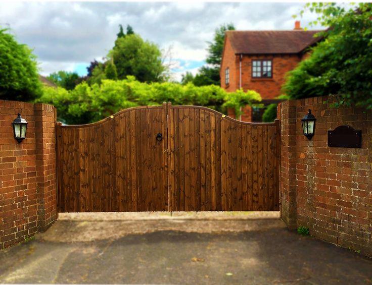 One of our lovely installs. Essex high centre wooden estate gate - Walnut Finish #CannockGates #woodengate #garden #gates #drivewaygates #estategates