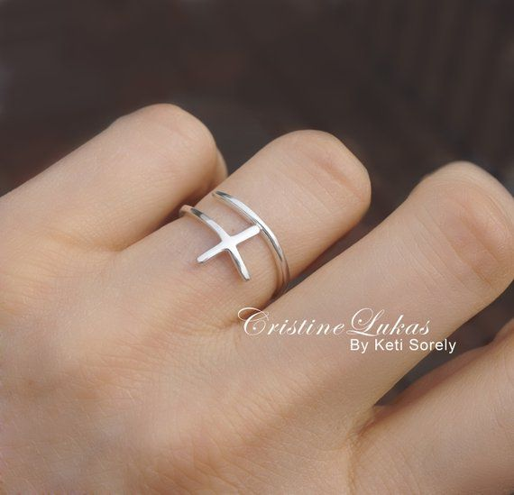 10k Gold 1 6 Carat T W Diamond Cross Ring Women S Size 9 50 White Cross Ring 10k Gold Gold