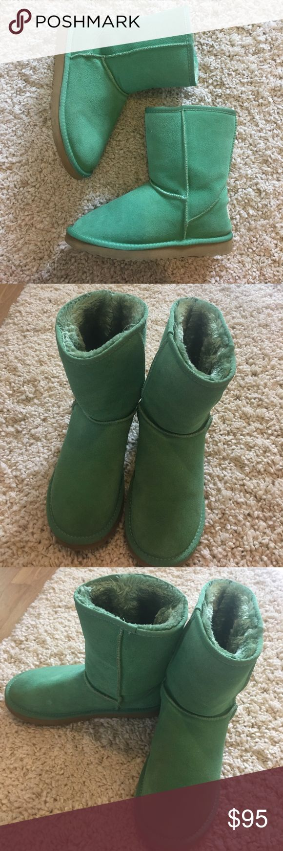 PERFECT CONDITION Classic Short Uggs Once worn pair of classic Short Uggs. Perfect condition, zero imperfections. UGG Shoes Winter & Rain Boots