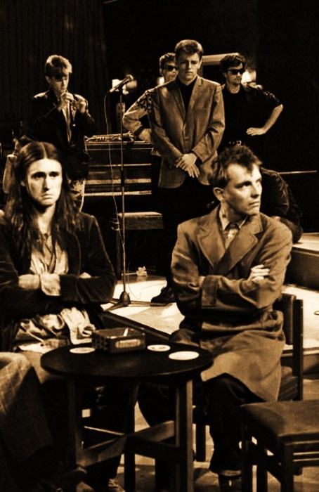 nigel planer, rik mayall, and madness on the young ones