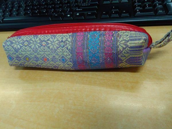 Kotak Pensil Songket Palembang. Dapat digunakan untuk kebutuhan sehari-hari atau cinderamata dan souvenir
