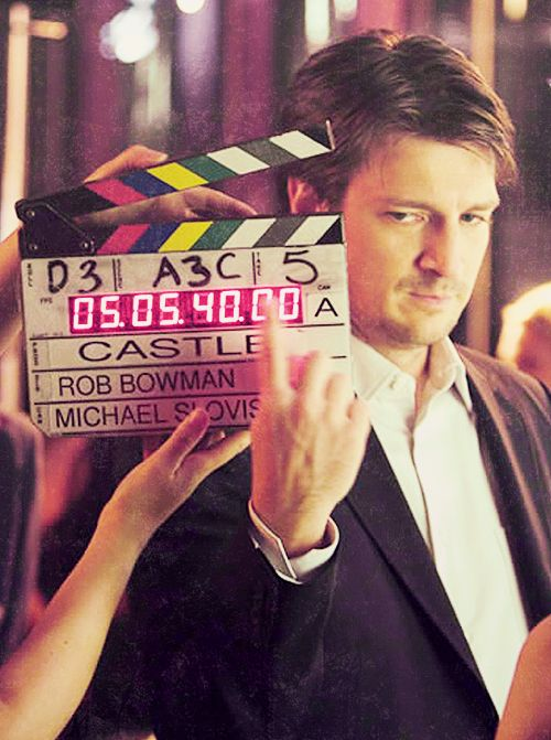 Castle Nathan Fillion looks sooooo delicious here!