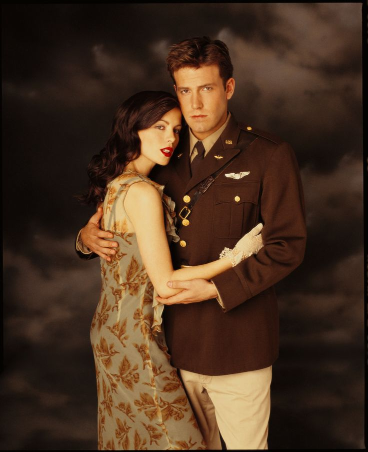 Nurse Lt Evelyn Johnson & Capt Rafe McCawley - Kate Beckinsale & Ben Affleck - Pearl Harbor 2001