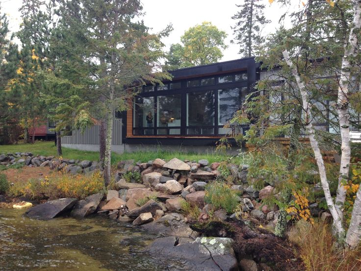 100 best hive exteriors images on pinterest for Modern prefab homes mn