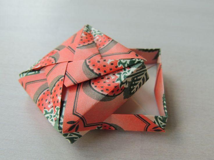 Theezakjes (tea bag folding), aardbeien thee, klein doosje 3,5x3,5x1cm
