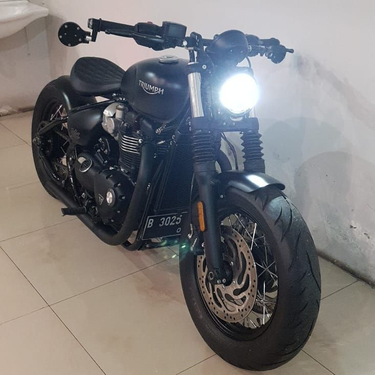 FS: All New Triumph Bonneville Bobber Black 2018 Full ...