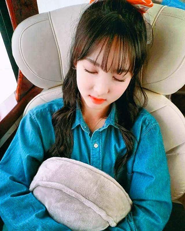 Até dormindo ela é linda *^*