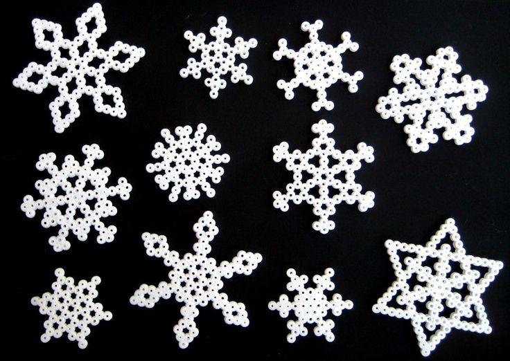 diseños con cuentas hama: copos de nieve