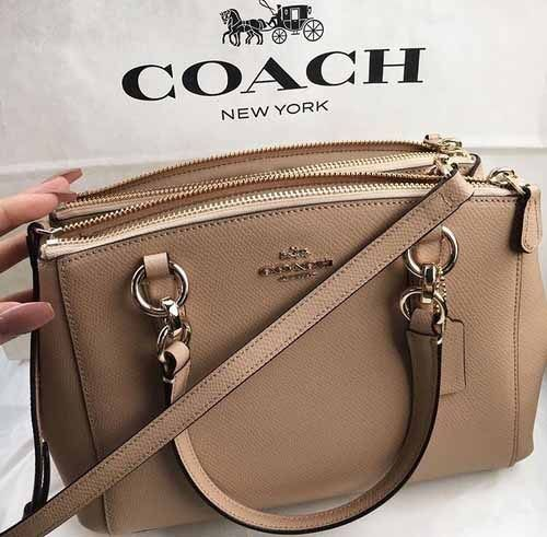 Never been a coach fan but I love this color!