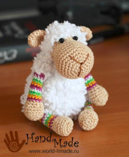 Mathilde Sheep - Free Crochet Pattern - Pattern In Russian - See http://www.ingeniousbyme.com/crochet/sheep-mathilde-free-crochet-pattern/ For English Translation - (world-hmade)