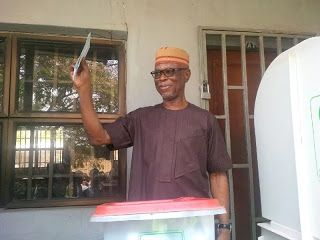 Oyegun Loses To PDP In His Polling Unit In Edo Governorship Election  Whatsapp / Call 2349034421467 or 2348063807769 For Lovablevibes Music Promotion   The national chairman of the All Progressives Congress (APC) Chief John Odigie Oyegun has again lost his unit to the Peoples Democratic Party (PDP) in the ongoing Edo election.Oyegun who voted at Oredo Ward 2 Unit 1 has not won an election for his party in the unit since joining the APC.The returning officer of Independent National Electoral…