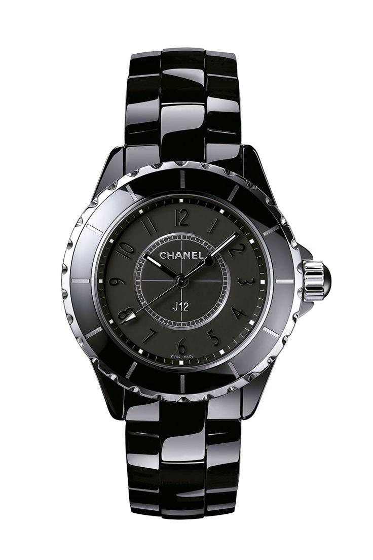 Camelias en diamantes y el legendario J12… CHANEL se prepara para el magno evento de la Alta Relojería #Baselworld. http://www.vogue.mx/articulos/chanel-relojes-baselworld/3441