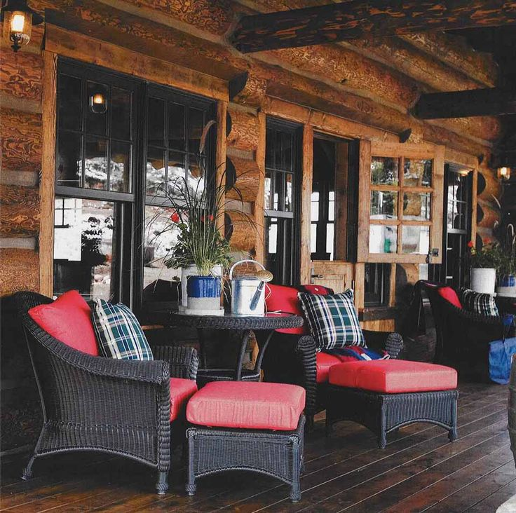 Wonderful cabin porch - I imagine sitting here with great friends and family<3  Soo cozy!