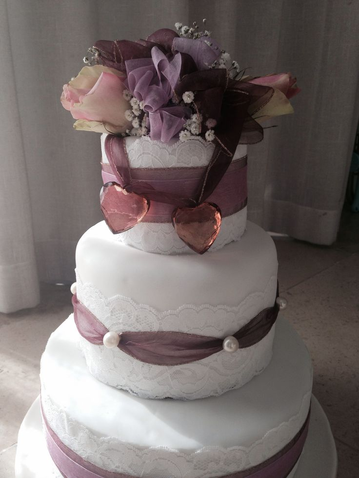 Chandbi's wedding cake