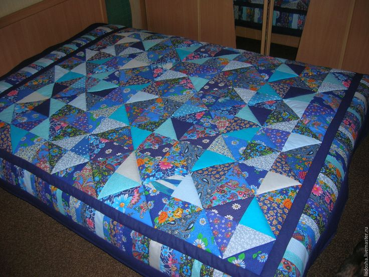 Купить Лоскутное покрывало Голубая синева - синий, голубой, треугольники, одеяло из треугольников, из лоскутов, лоскуты