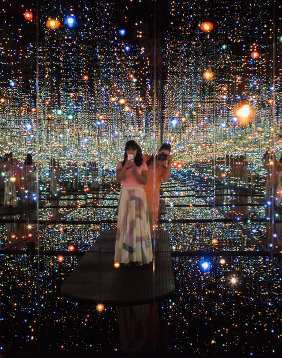 The Broad Museum / Yayoi Kusama's Infinity Mirrored Room