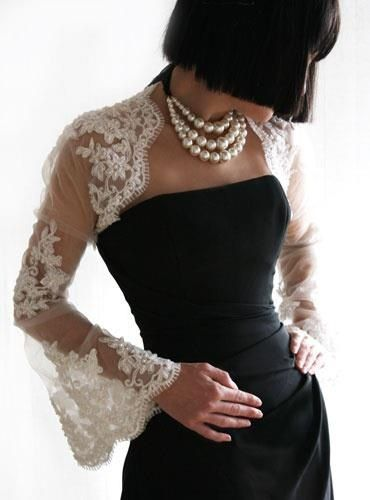 favourite neckline, made with pearls as the neckpiece this time!! & lace bolero for the shoulders...yum