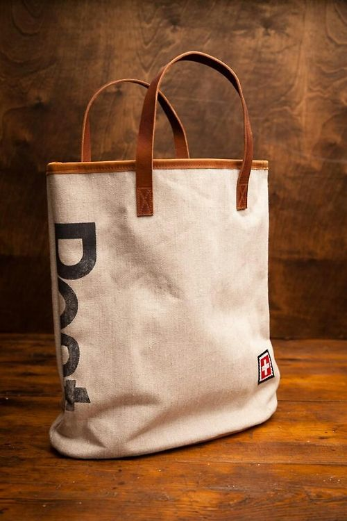 Canvas and leather bag |