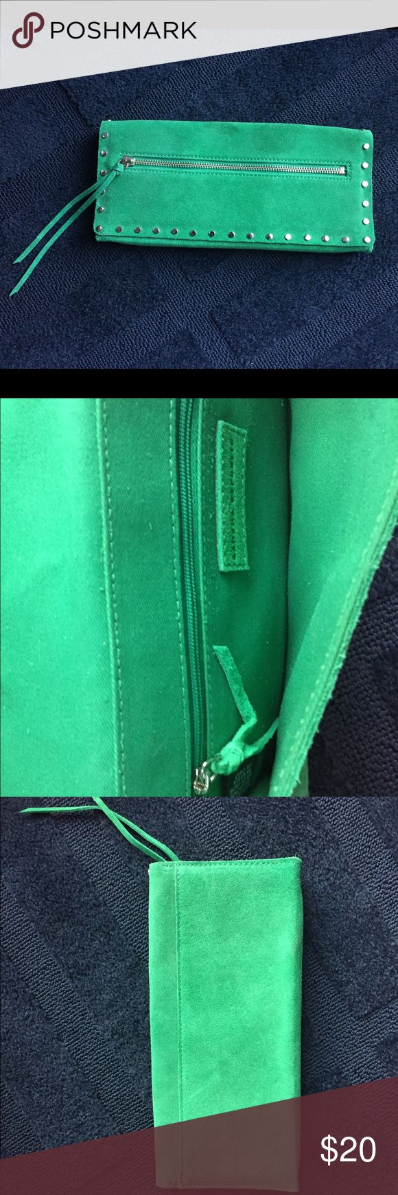 NWOT Banana Republic Green Suede Clutch Banana Republic Green Suede Clutch. NWOT never used! Smoke free home. Excellent condition. Banana Republic Bags Clutches & Wristlets
