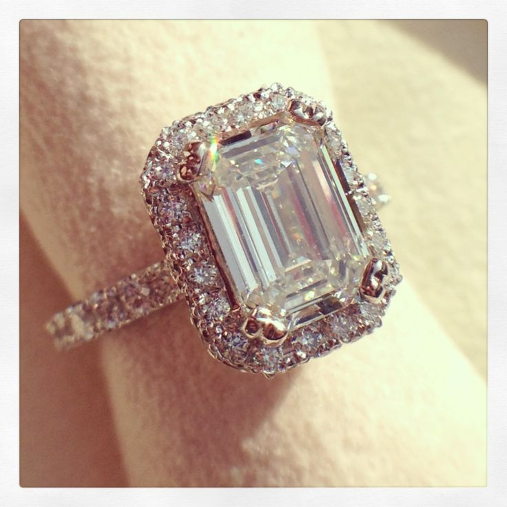 Kirk Kara engagement ring from the Carmella collection | Emerald cut halo l  beautiful engagement ring | kirkkara.com | Design K1004DG-R
