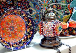 Las muestras de cerámica vidriada turco