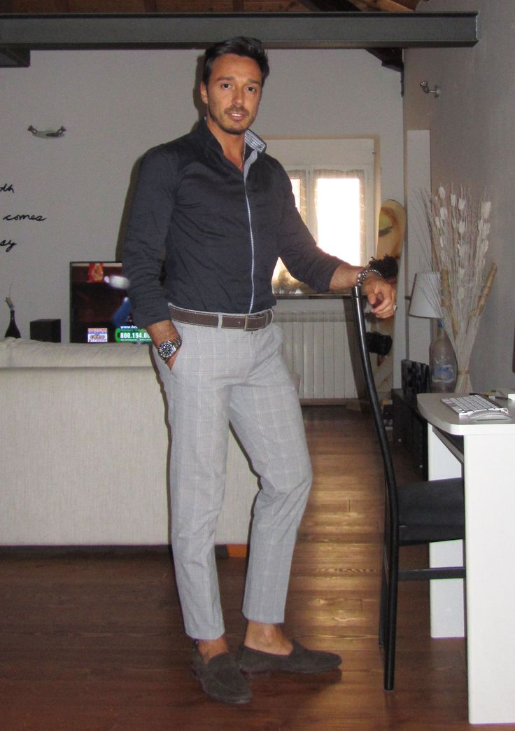 Grey pant merged blue shirt, what do you think of this outfit? #menwithclass #springfashion #menwithstyle