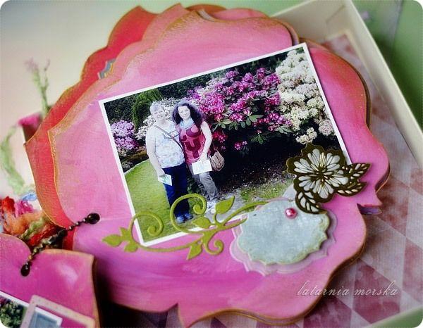 album o święcie Azalii :-)   http://www.hurt.scrap.com.pl/baza-do-albumu-roza-15x15.html