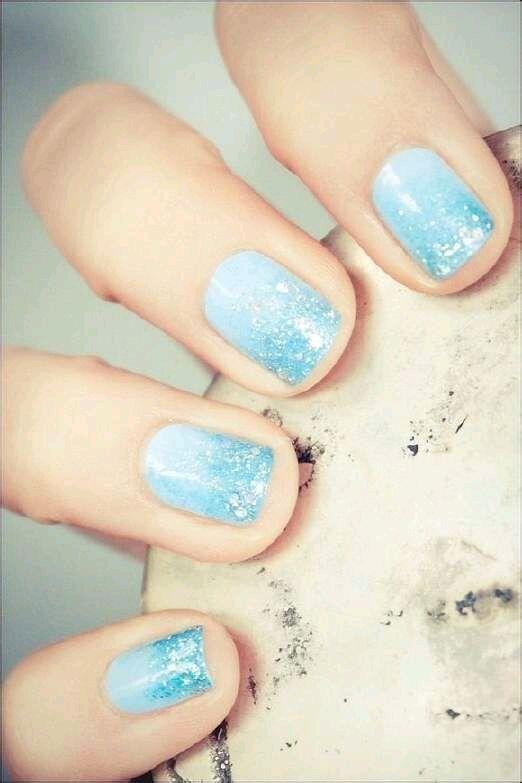 Beach Day Nails - http://nail-designs.com/varnish/beach-day-nails/