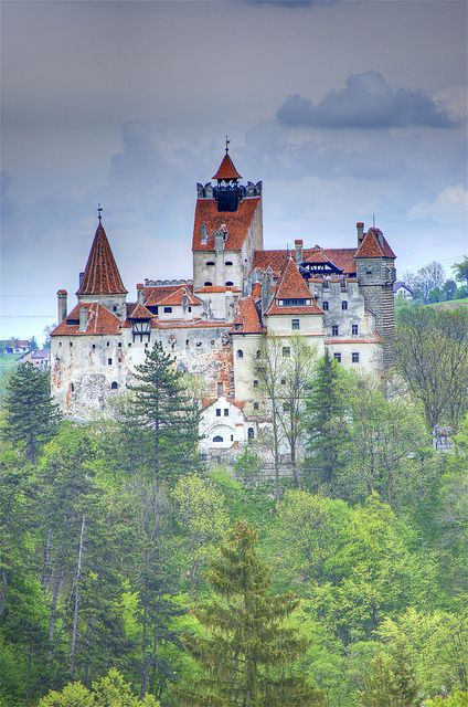 Bran Castle (Dracula's Castle), Romania www.romaniasfriends.com / Tours/ Ten castles and fortesses of Romania