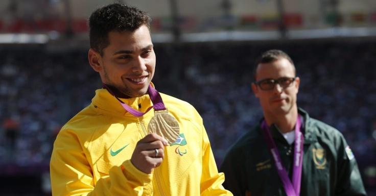 Alan Fonteles - medalha de ouro - atletismo - Fotos - UOL Olimpíadas 2012