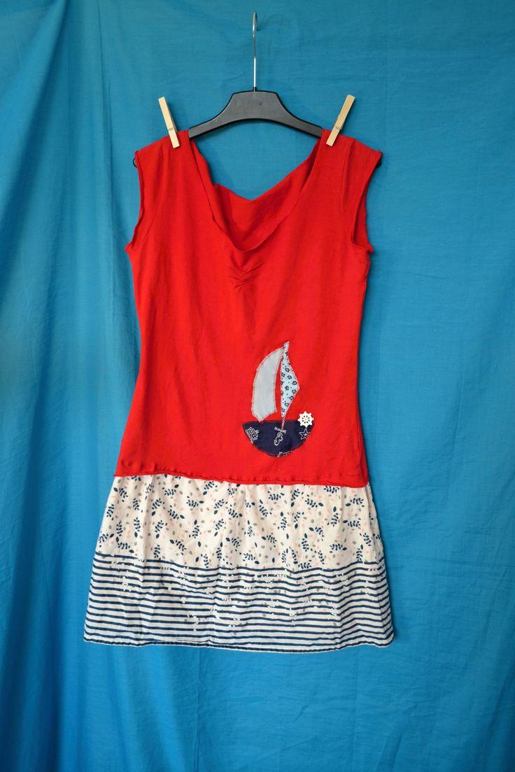 Recyklo+tričko+šaty+Námořnické+harašení+Vel.+XS/s,+prosím+raději+měřte.+Šířka+v+podpaží+2*42,+délka+80+cm.+Boky+max+2*52+cm.+Bavlna.