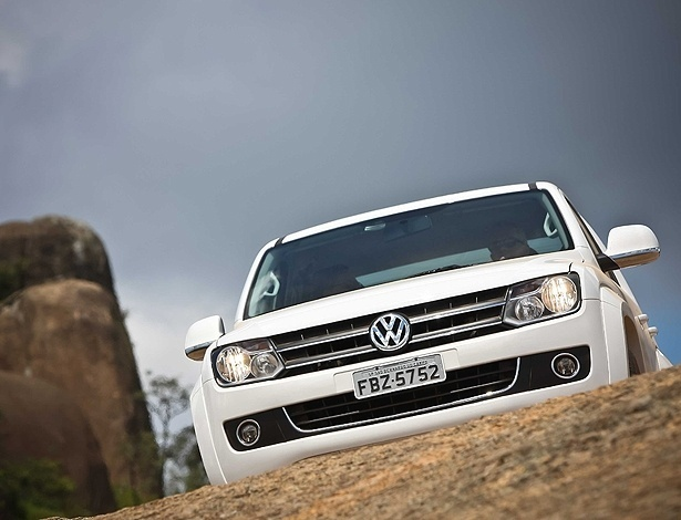The new VW Amarok 2.0 TDI bi-turbocharched - 180 HP