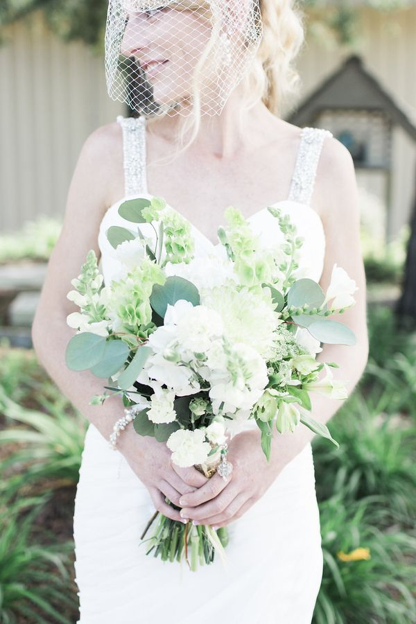 Rustic bouquet for an Irish themed wedding (Photo by Danyelle Dee Photography)
