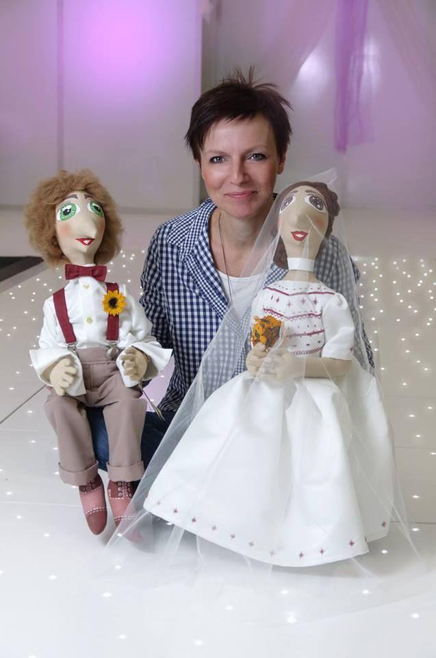 Picmoší puppets - Ivana Vajdová.  Wedding dresses - Binarová Hana www.hana-binarova.webnode.cz