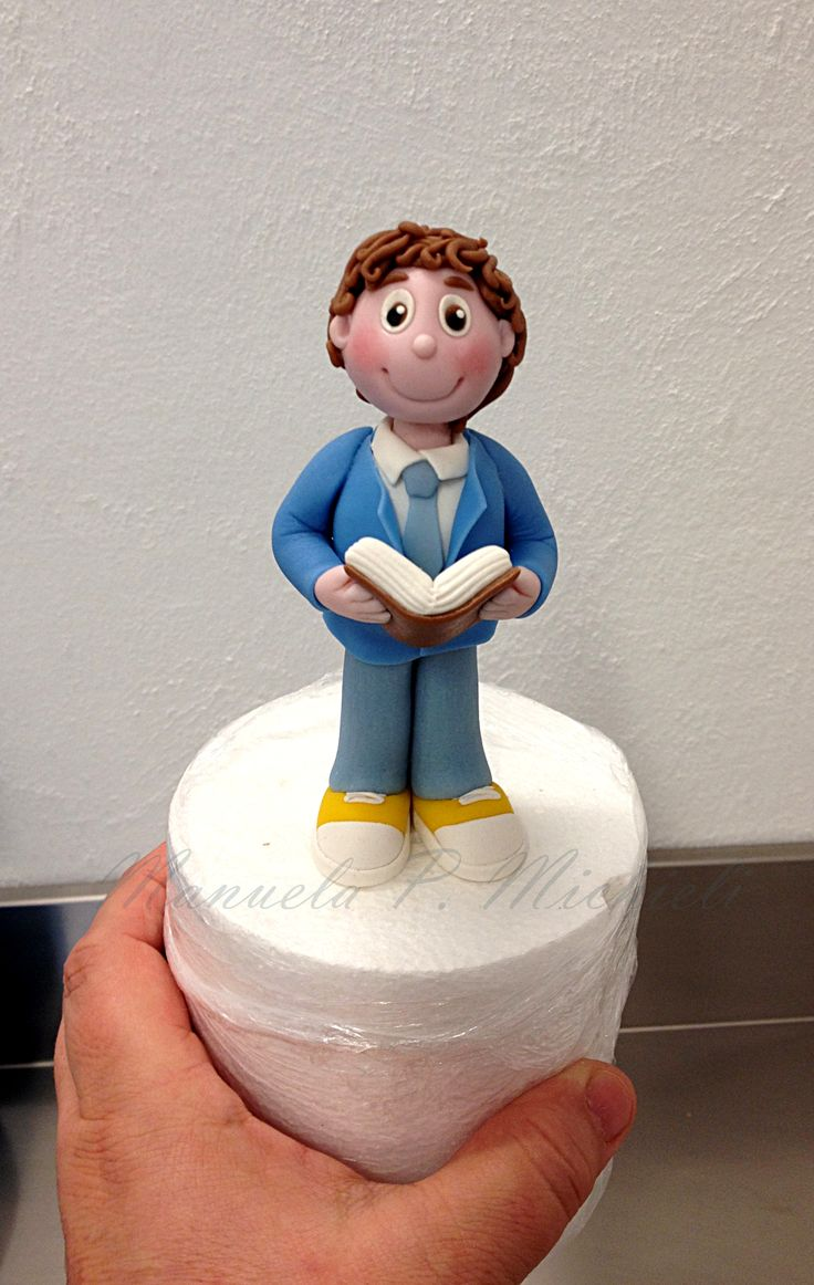 Communion Topper - The boy asked for a completely edible topper dressed and looking like him in this very special day - Made by ParmaDolce fondant by Manuela P. Michieli - 2016