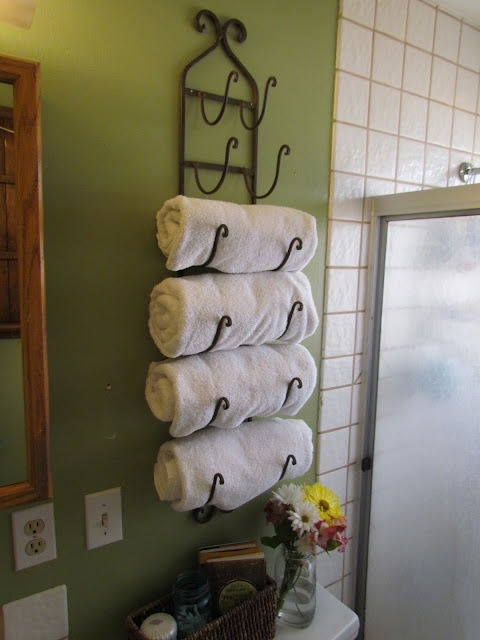 wine rack = towel rack, great idea